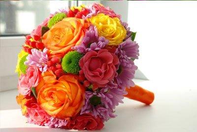 Как самостоятельно собрать букет: гармоничные сочетания цветов и оттенков