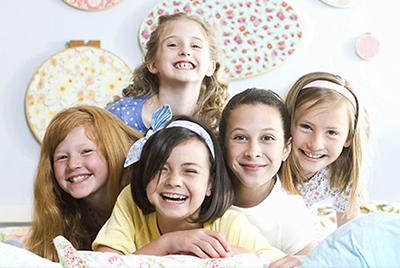 Пижамная вечеринка для девочек: от дефиле до гаданий