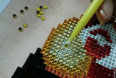 Наборы алмазной вышивки круглыми стразами – наилучший вариант для новичков!
