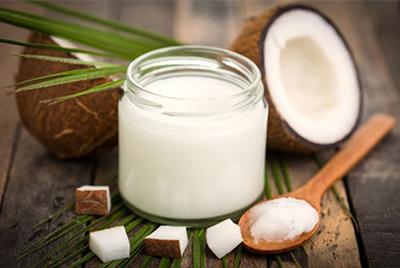 Кокосовое масло для ухода за волосами и телом